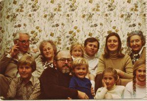 leura-family-1978